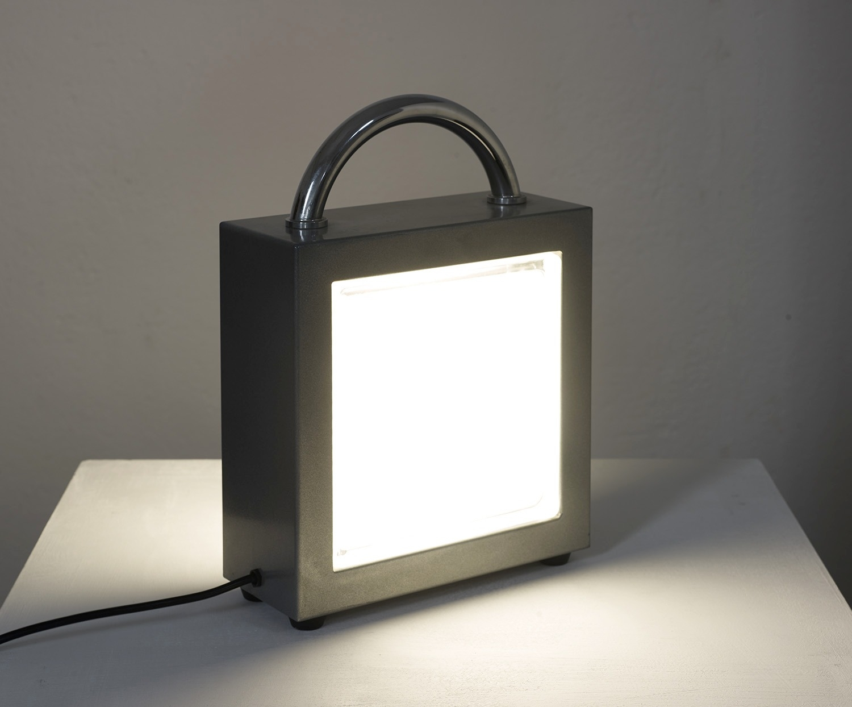 lampe-a-poser-valigetta-de-matteo-thun-1988-image-01
