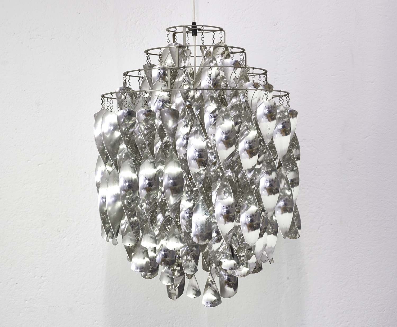 verner-panton-sp01-hanging-lamp-by-j-luber-ag-image-02