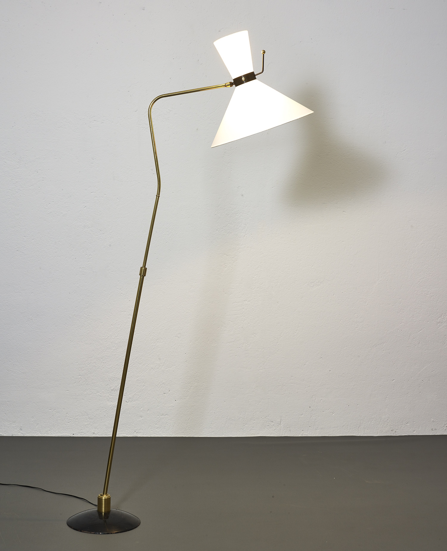 1950-floor-lamp-by-arlus-image-04
