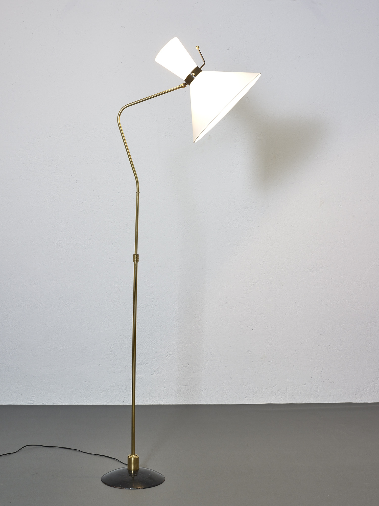 1950-floor-lamp-by-arlus-image-01