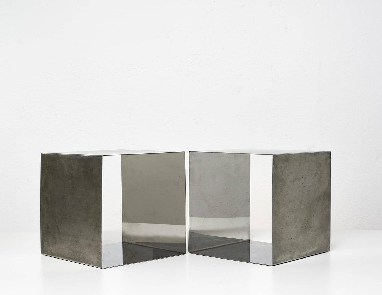 paire-de-tables-cube-de-maria-pergay-1968-image-01