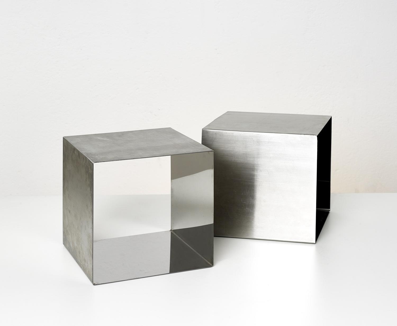 paire-de-tables-cube-de-maria-pergay-1968-image-04
