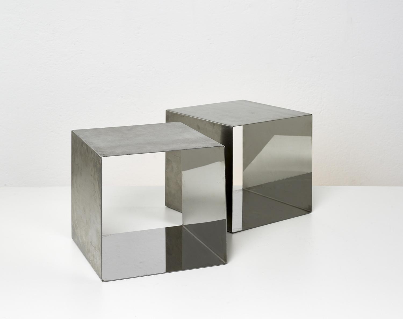 paire-de-tables-cube-de-maria-pergay-1968-image-03