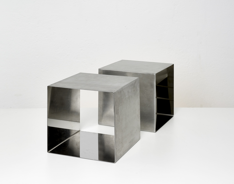 paire-de-tables-cube-de-maria-pergay-1968-image-02