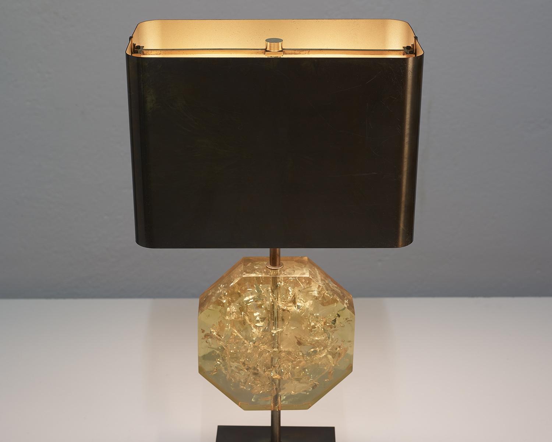 lampe-de-table-octogonale-en-resine-de-maison-charles-1970-image-09