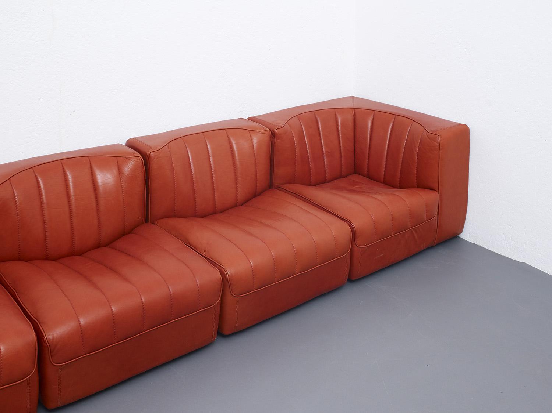 novemila-leather-sofa-by-tito-agnoli-arflex-1969-image-02