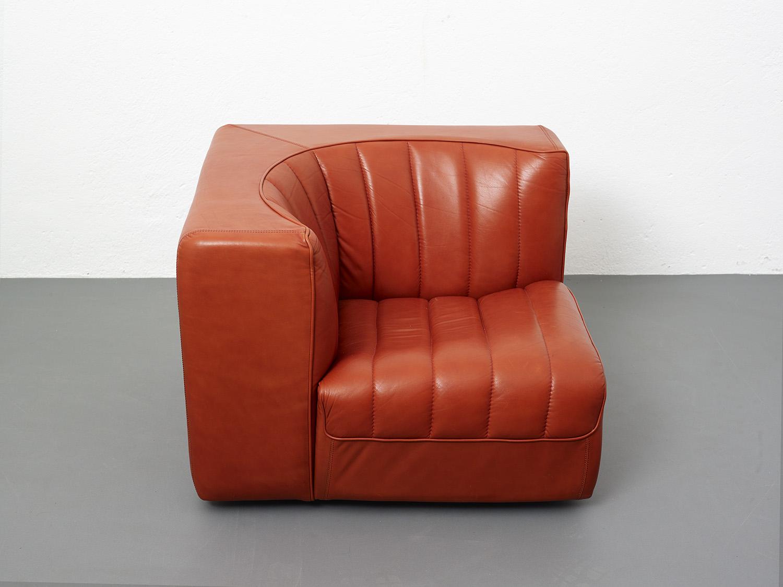 novemila-leather-sofa-by-tito-agnoli-arflex-1969-image-04