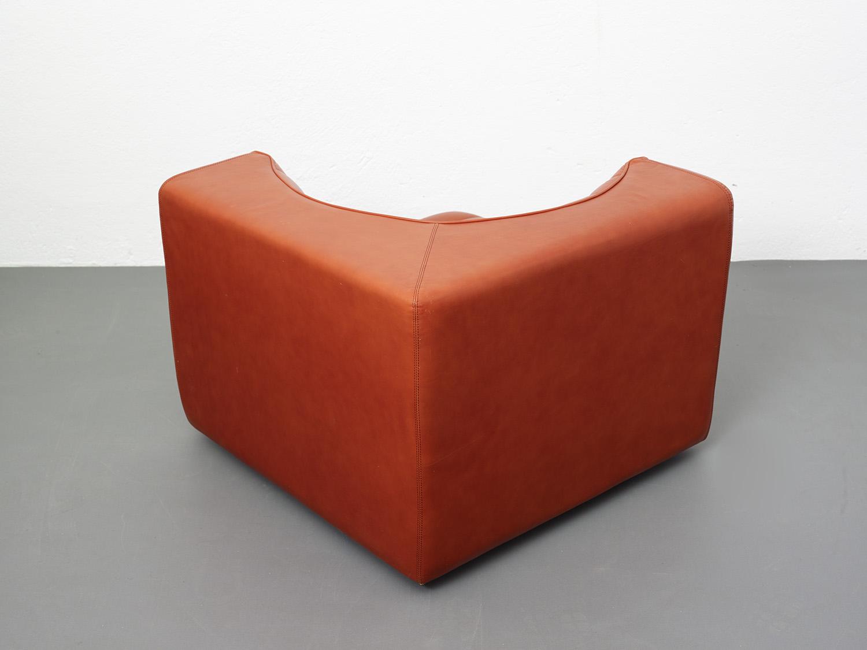 novemila-leather-sofa-by-tito-agnoli-arflex-1969-image-10