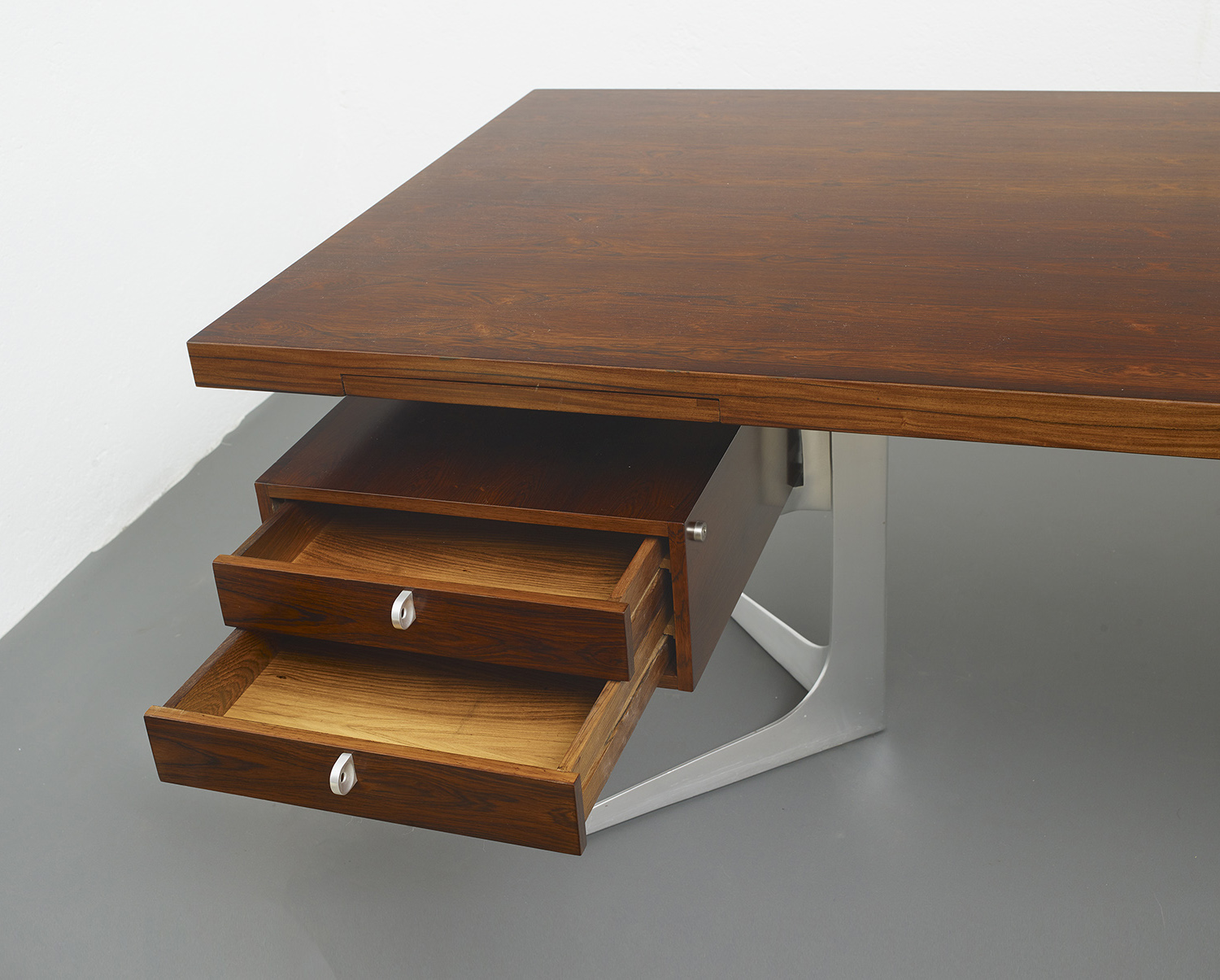 herbert-hirche-executive-rosewood-desk-image-06