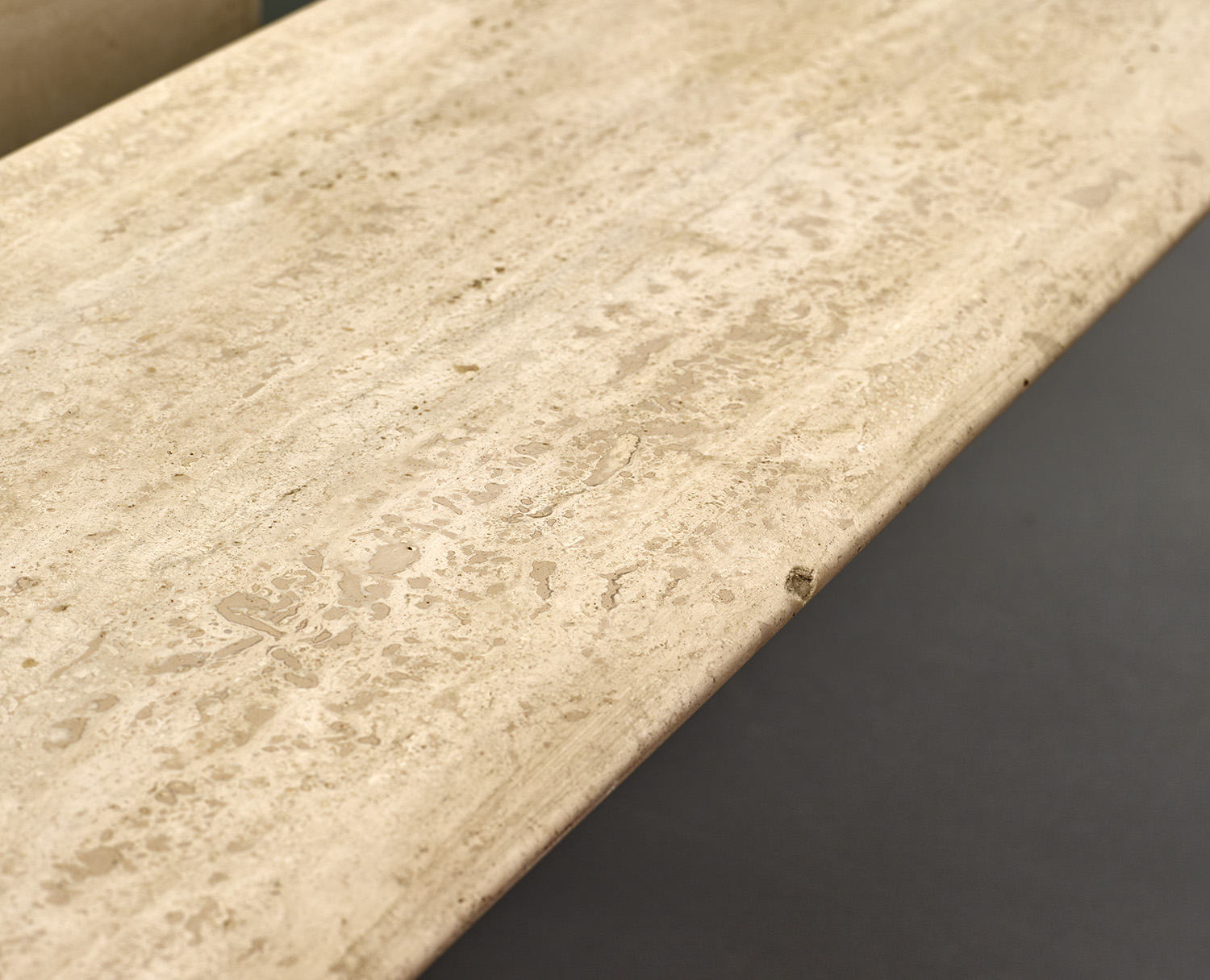 italian-travertine-coffee-table-with-floating-top-1970-1980-image-07