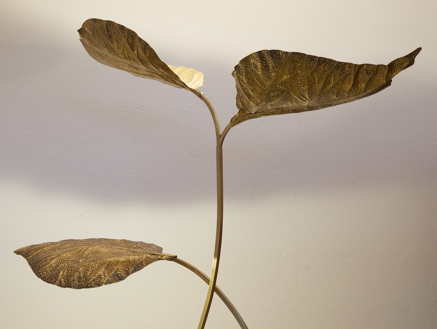 carlo-giorgi-brass-floor-lamp-with-three-leaves-for-bottega-gadda-italy-1970-image-12