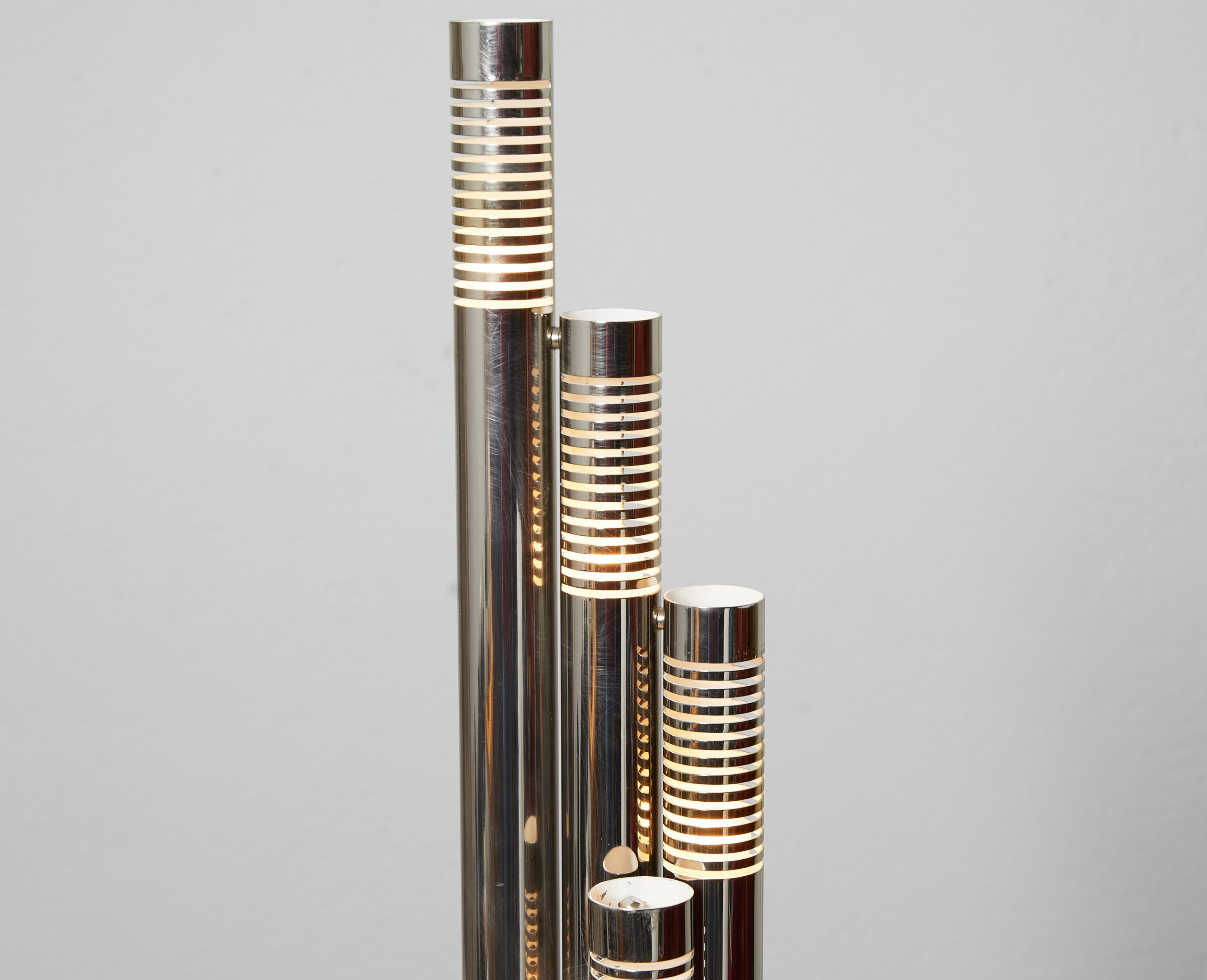 italian-chromed-metal-tubular-table-lamp-c-1970-image-03