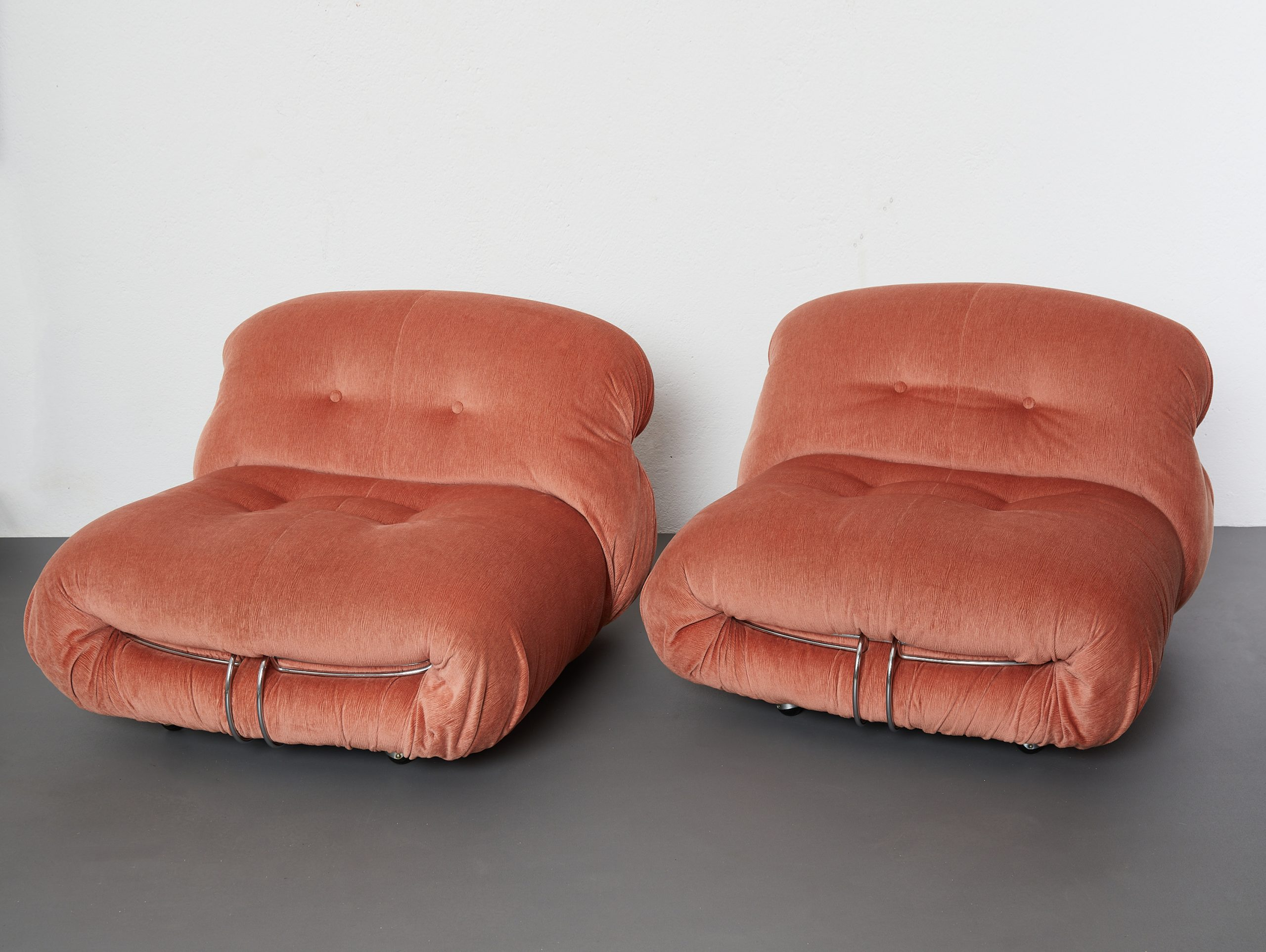 pair-of-soriana-lounge-chairs-by-afra-and-tobia-scarpa-cassina-1970-image-01