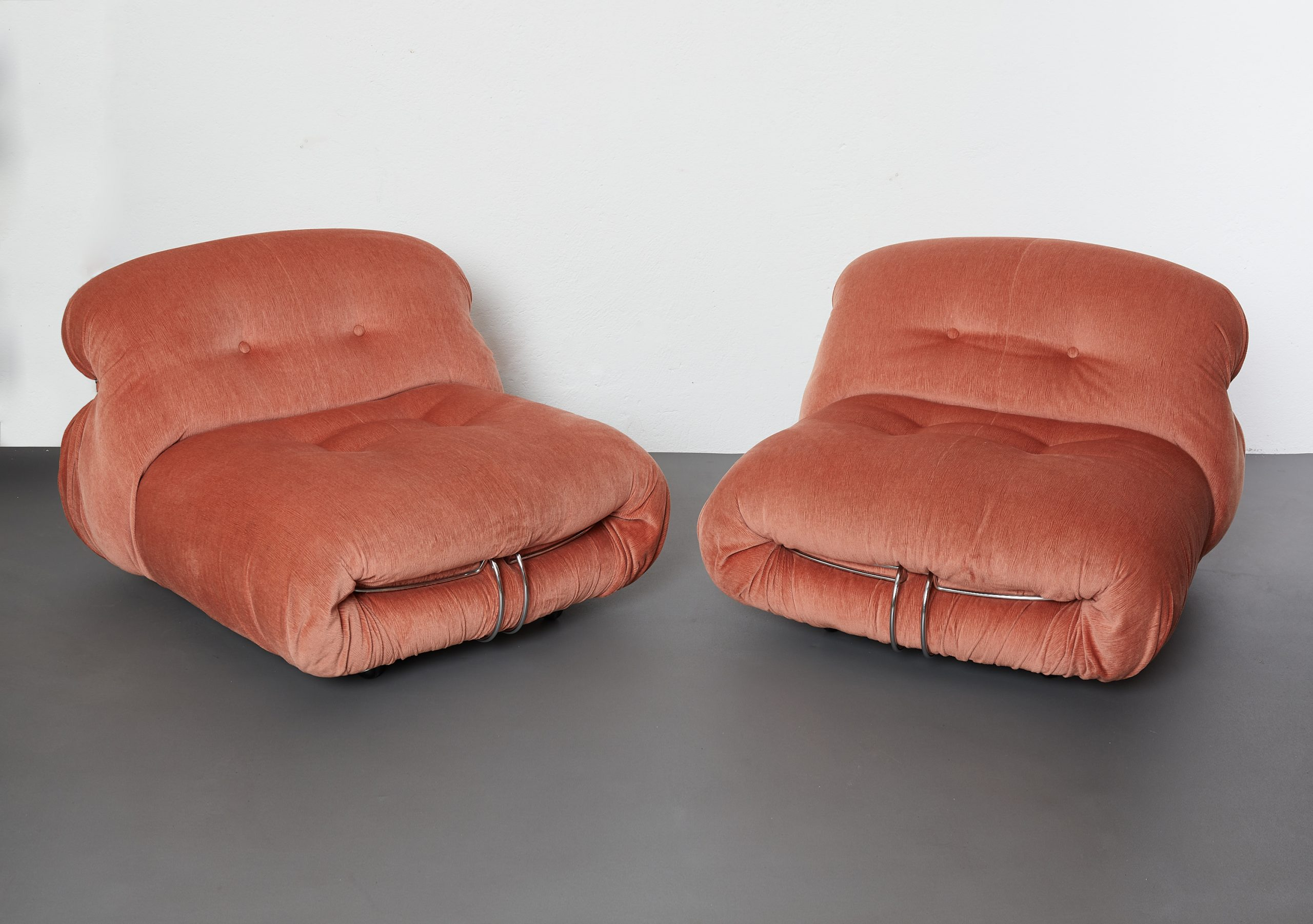 pair-of-soriana-lounge-chairs-by-afra-and-tobia-scarpa-cassina-1970-image-02
