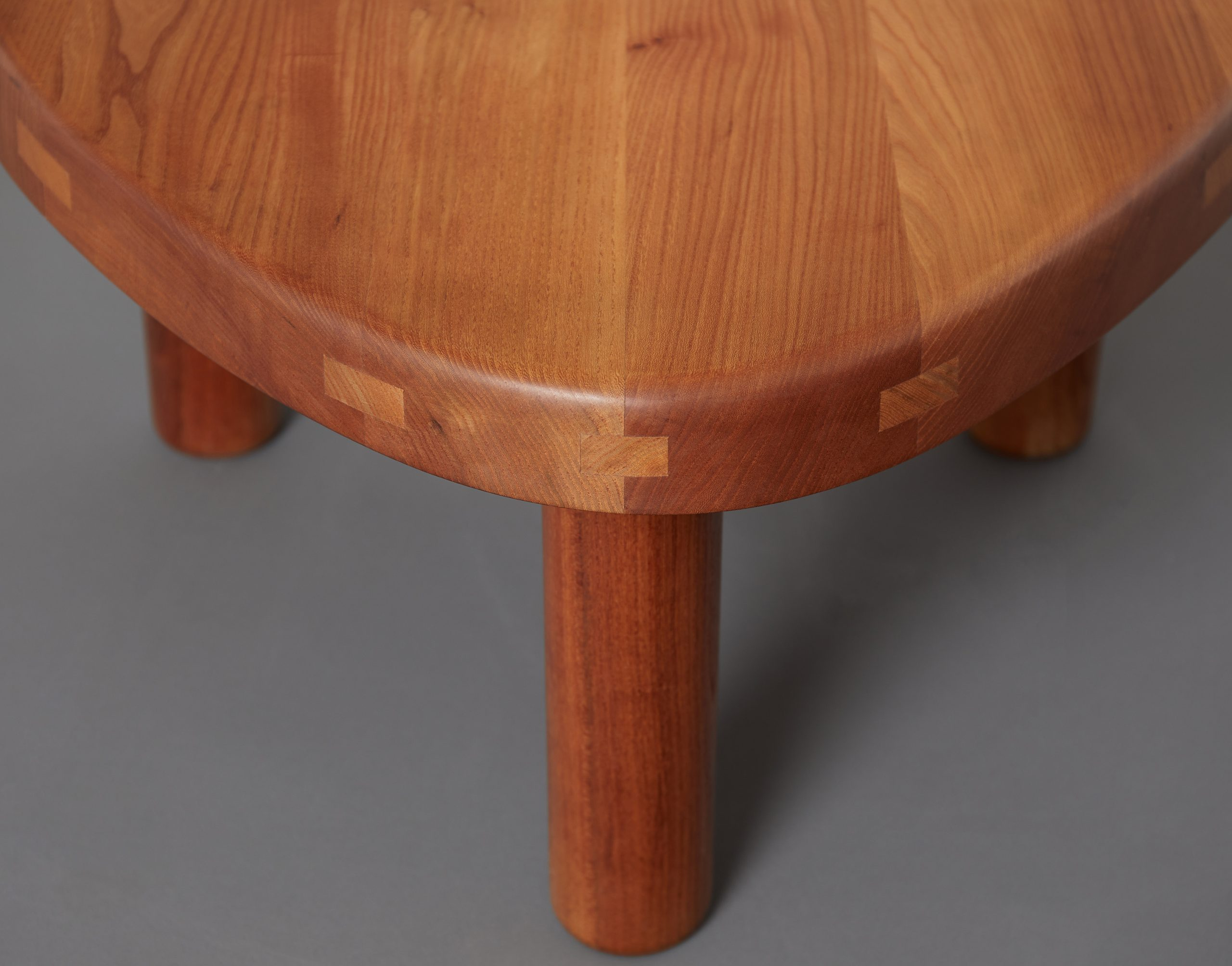 t23-table-by-pierre-chapo-image-01