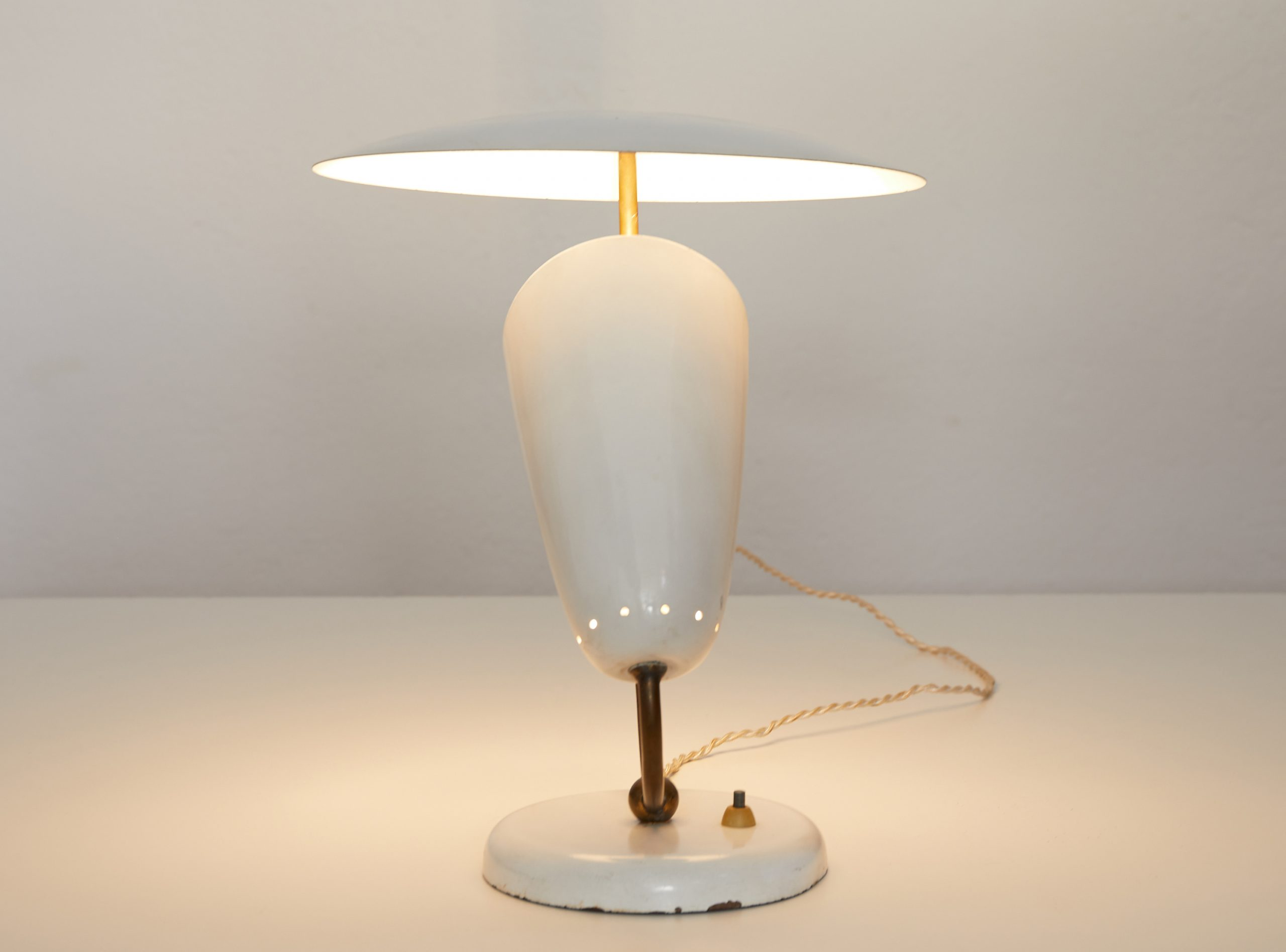 brass-and-enameled-metal-table-lamp-switzerland-1950-image-02