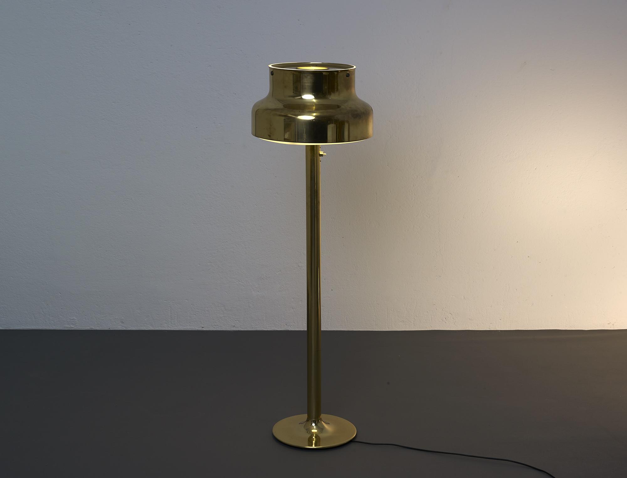 lampe-de-sol-bumling-en-laiton-de-anders-pehrson-1968-image-03