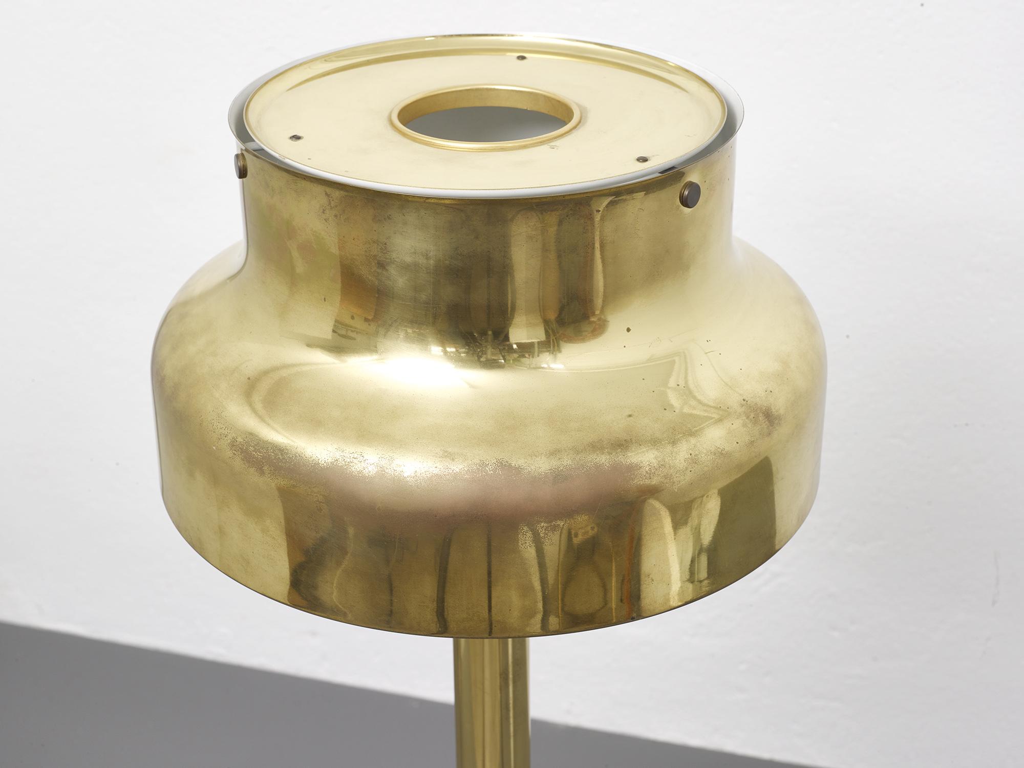 lampe-de-sol-bumling-en-laiton-de-anders-pehrson-1968-image-05
