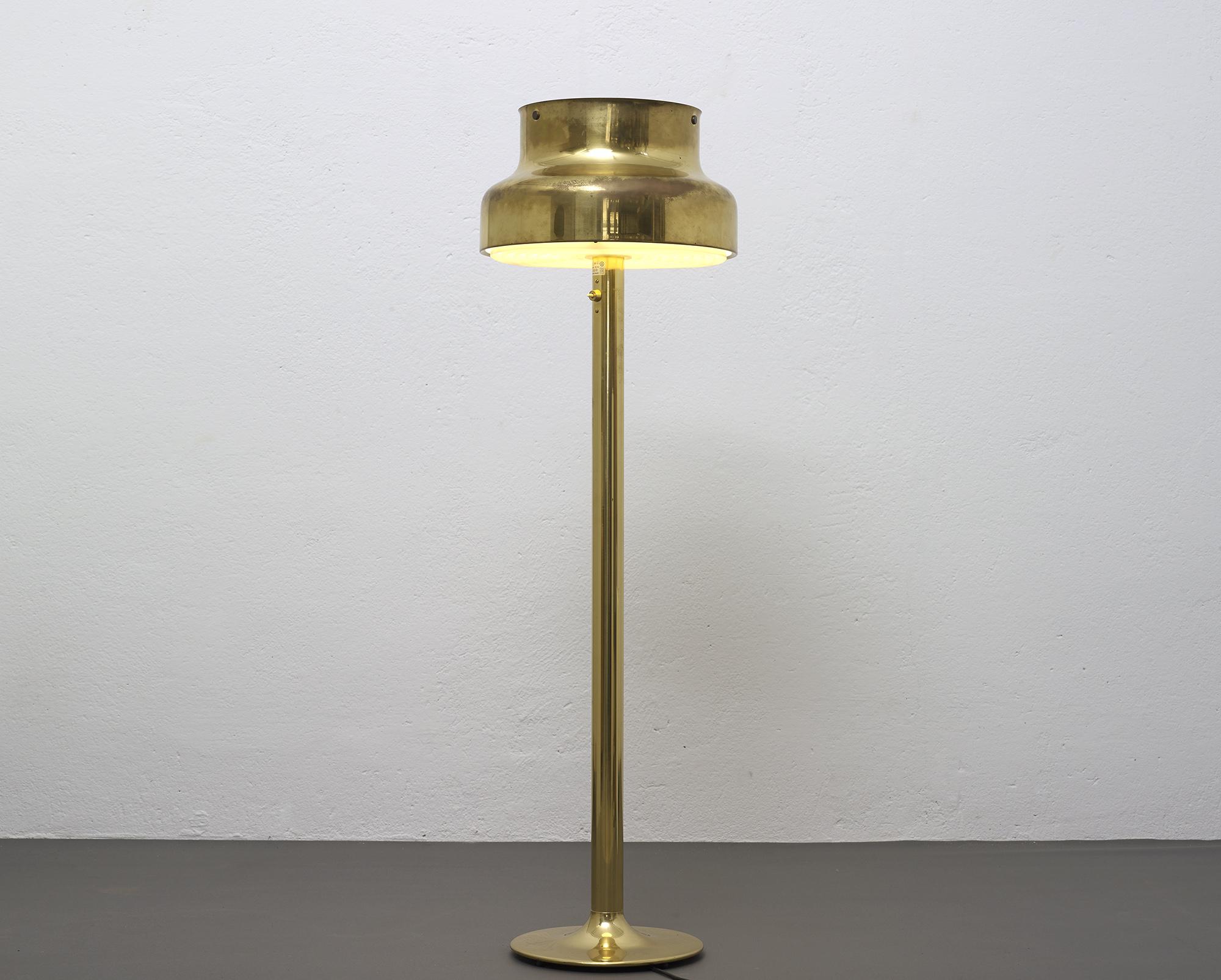 lampe-de-sol-bumling-en-laiton-de-anders-pehrson-1968-image-04
