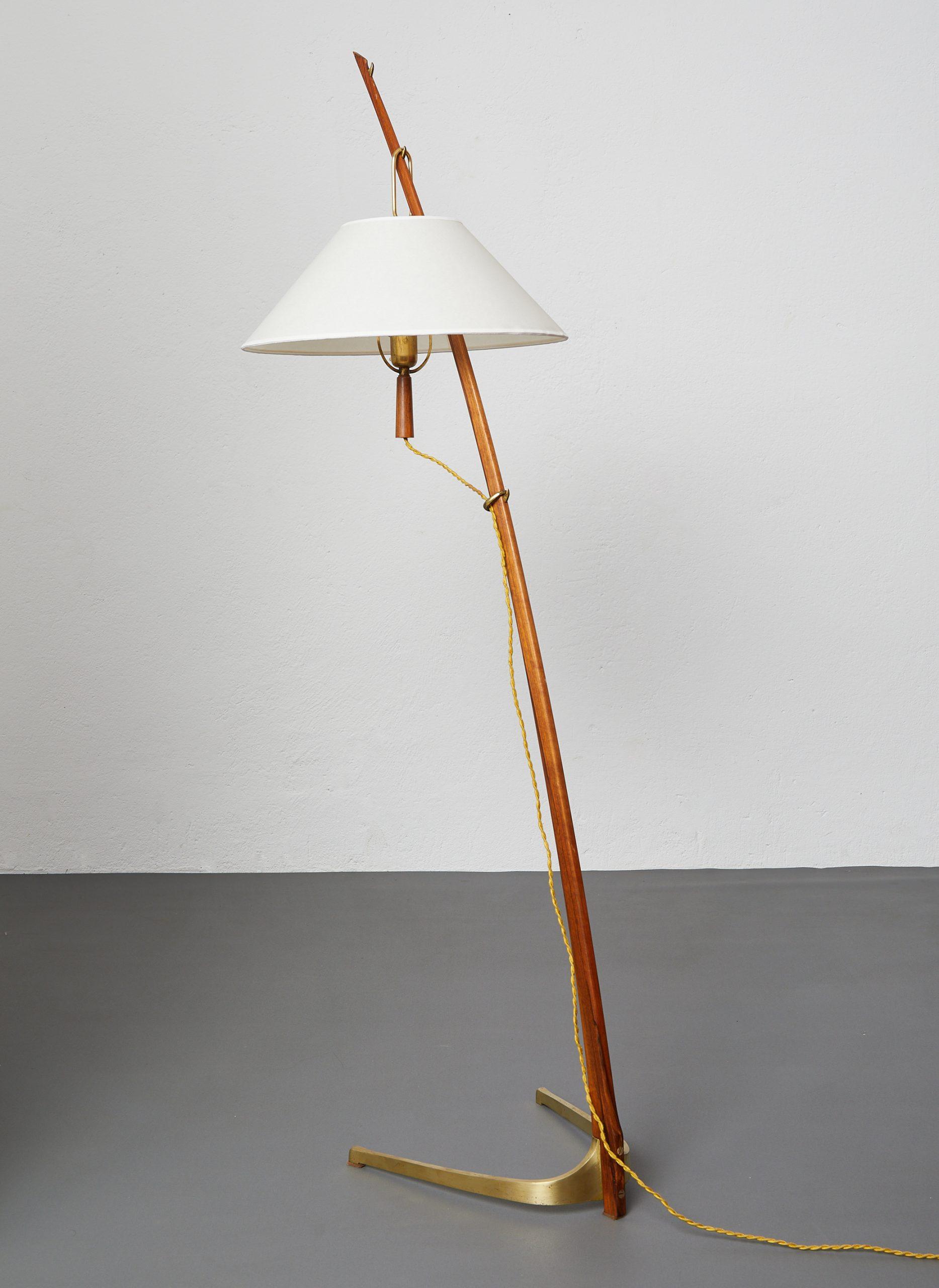 model-2076-ordornstab-floor-lamp-in-teak-and-brass-by-j-t-kalmar-1950-image-01