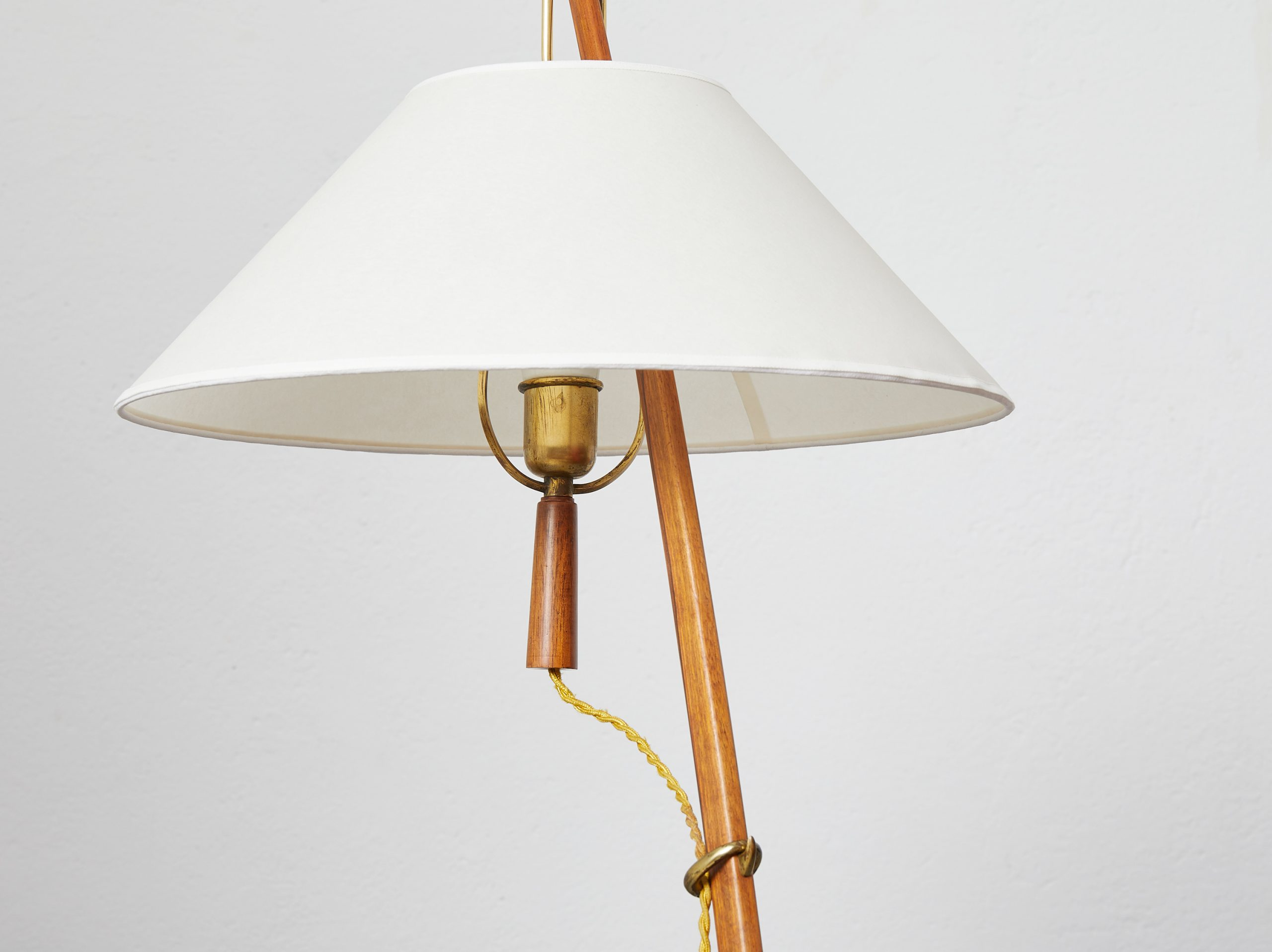 model-2076-ordornstab-floor-lamp-in-teak-and-brass-by-j-t-kalmar-1950-image-04
