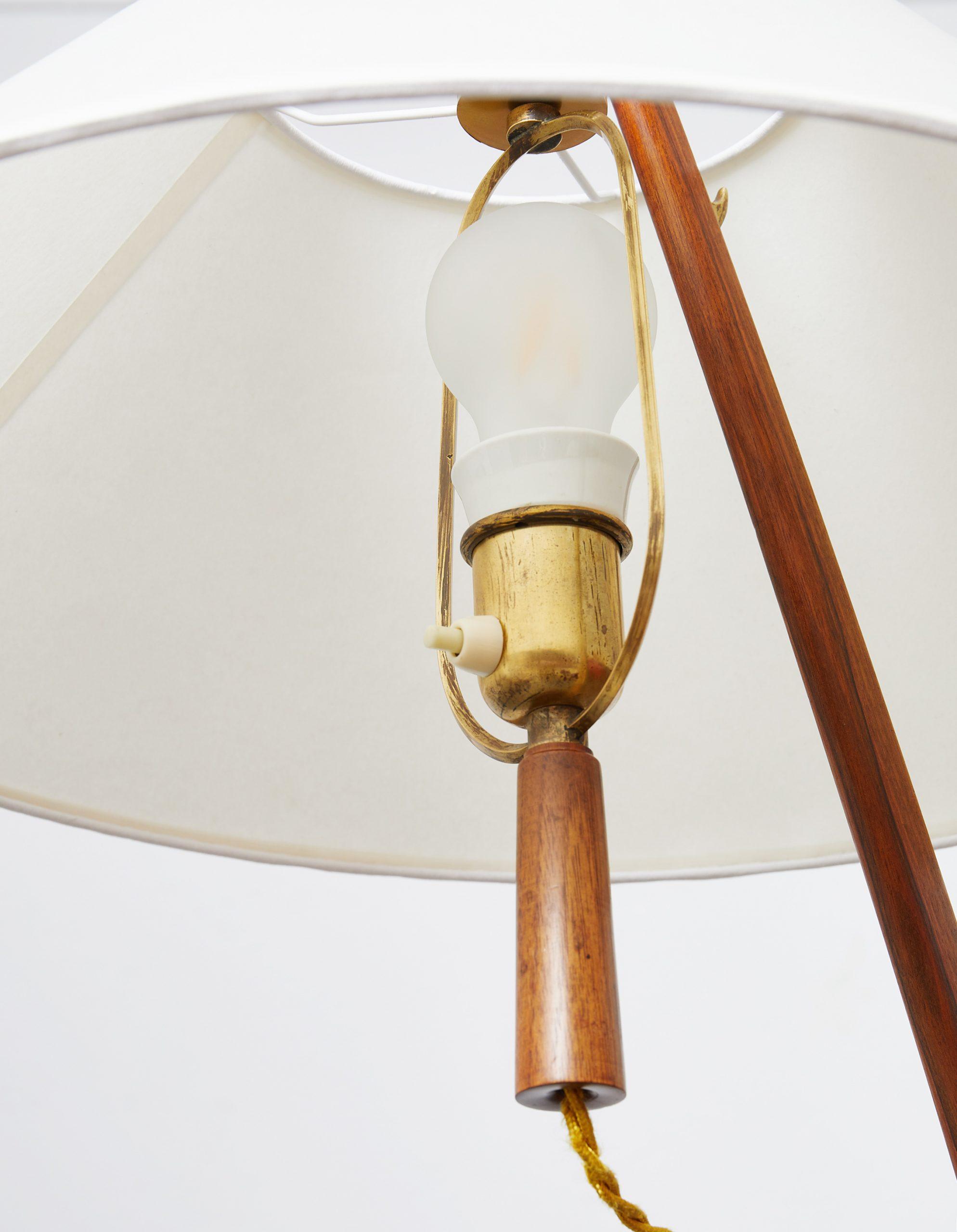 model-2076-ordornstab-floor-lamp-in-teak-and-brass-by-j-t-kalmar-1950-image-08