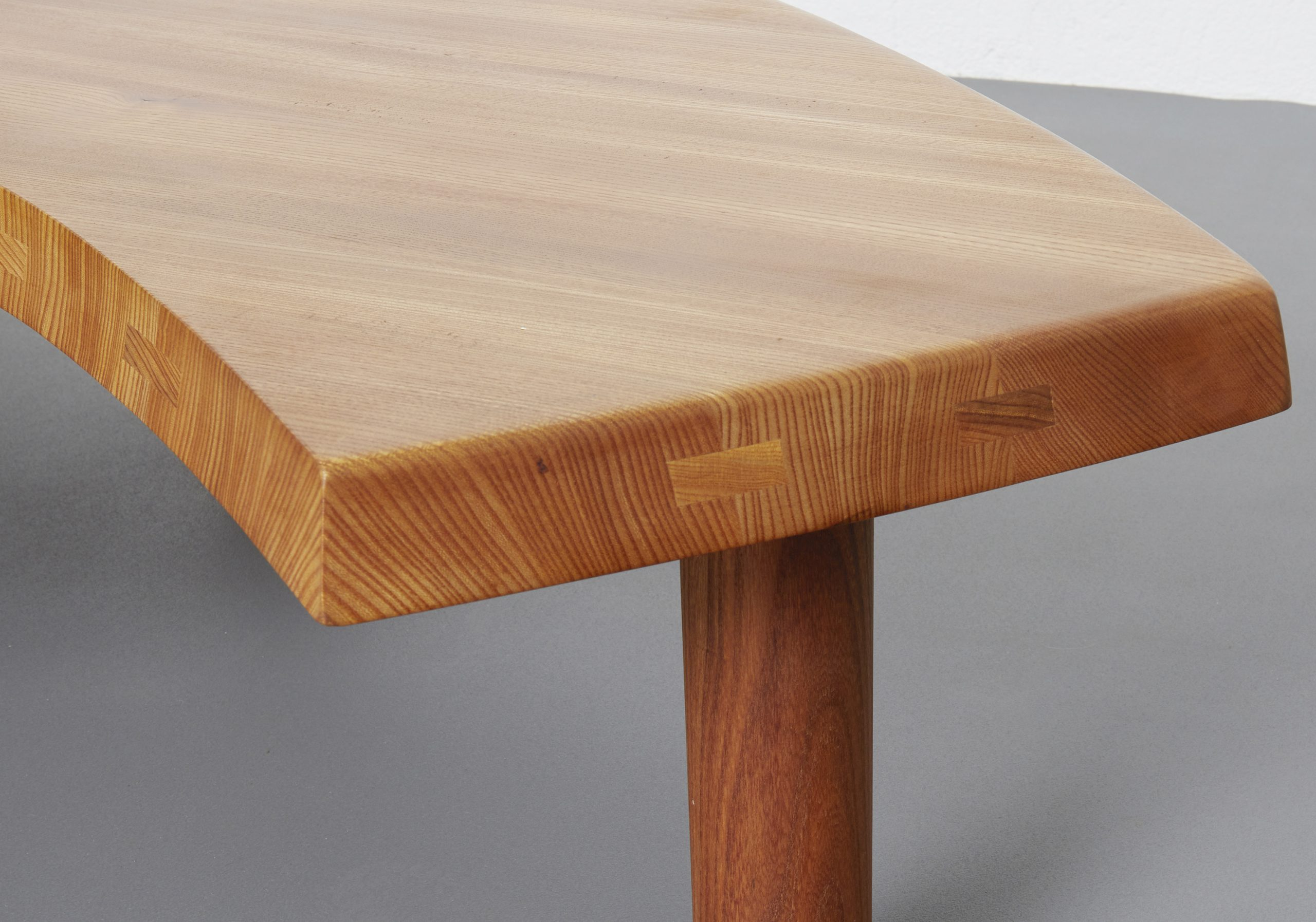 single-elmwood-low-table-t22-by-pierre-chapo-image-05
