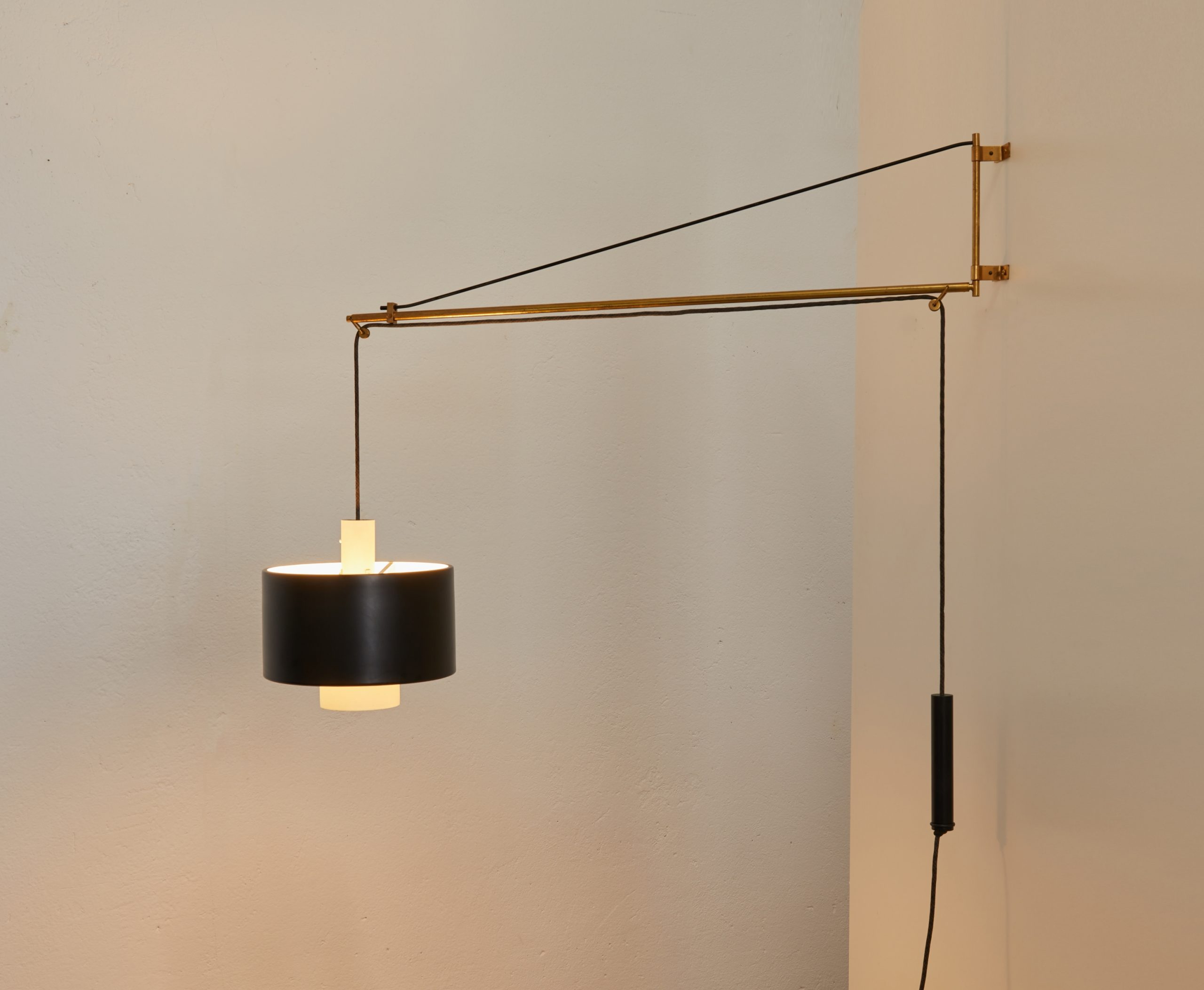 brass-wall-lamp-model-2061-by-gaetano-scolari-for-stilnovo-1954-image-01